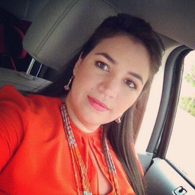 Eva Carolina | Social Profile