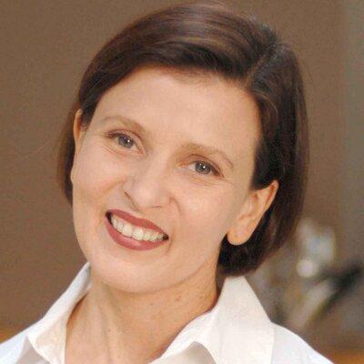 Viviane BauquetFarre | Social Profile