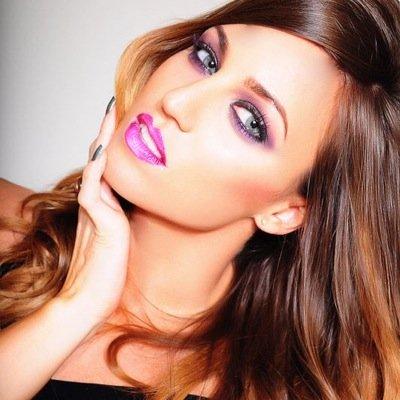 Zoe Green   Social Profile