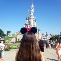 rachel | Social Profile