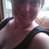 Lizzie B | Social Profile
