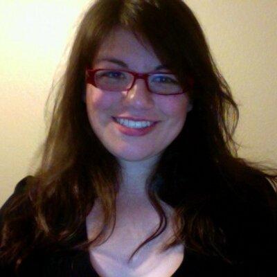 Lizeth Cazares | Social Profile