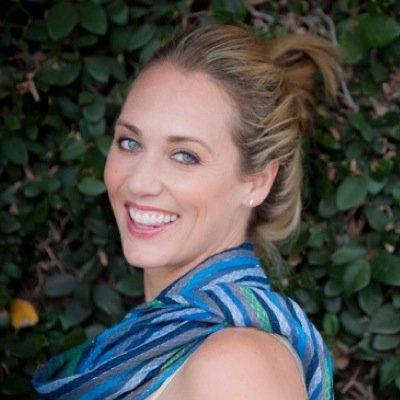 Lindsay Taub   Social Profile