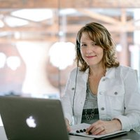 Cindy Huggett   Social Profile