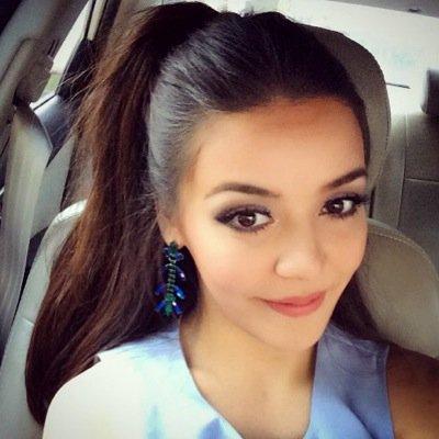 Alexandra Bounxouei | Social Profile