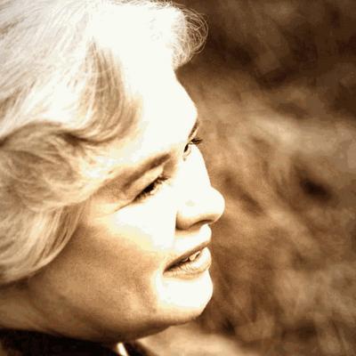 Carolyn Winter | Social Profile
