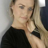 jessie monlux | Social Profile