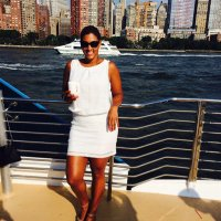 Lindsay Robinson | Social Profile