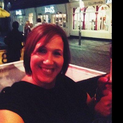 Ruthie | Social Profile