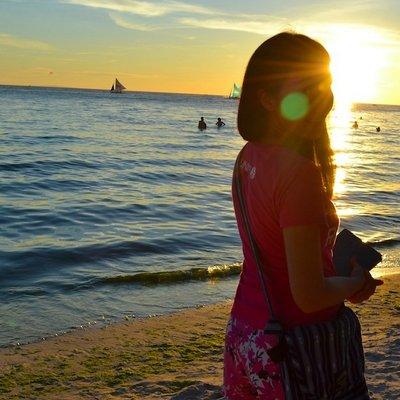 Ruth Floresca | Social Profile