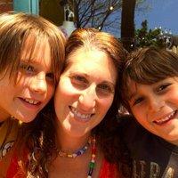 Kami Lewis Levin | Social Profile