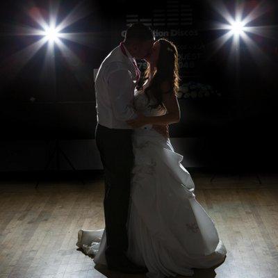 wedding photographer (@jennywiglue) | twitter