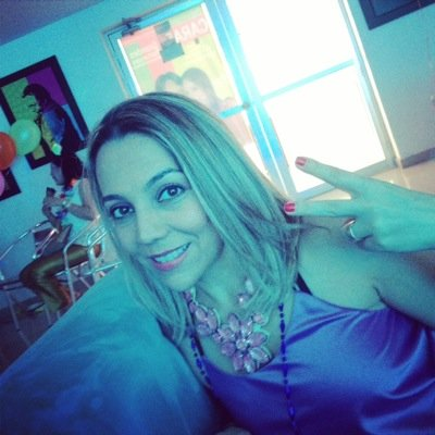 VANESSA VILLAZON B | Social Profile