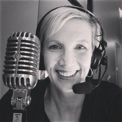 Renee Hulshof | Social Profile