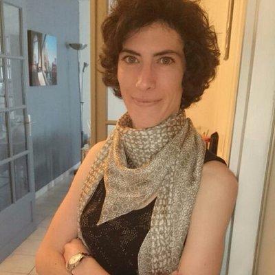 Melanie Bourdaa | Social Profile
