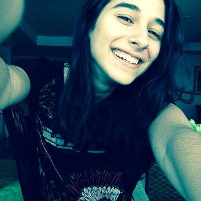 Bruna Piñeiro | Social Profile