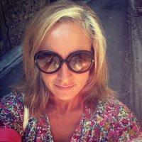 Claire Zambuni | Social Profile