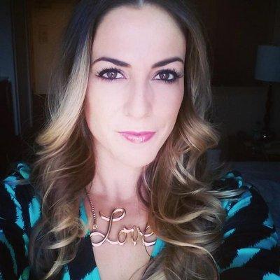 Laura Grier | Social Profile
