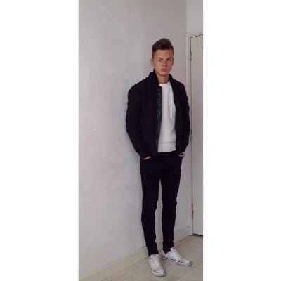 Dirk | Social Profile