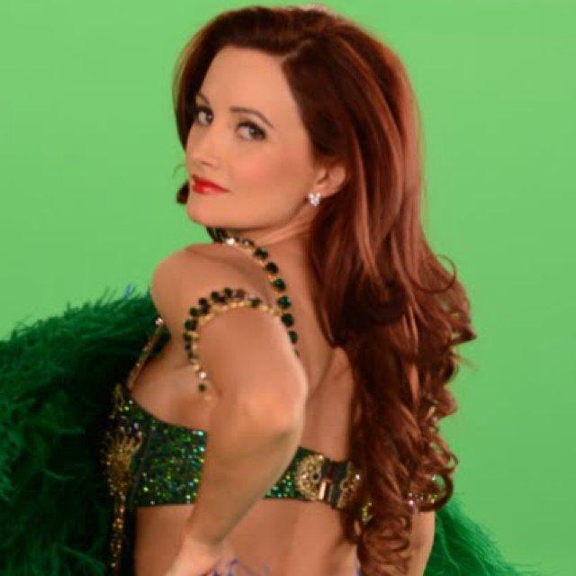 Model Holly Madison profile photo on Glam Tweet