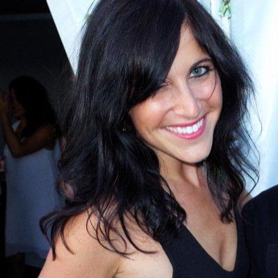 ArielleLisa   Social Profile