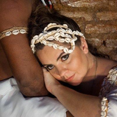 Karynna Spinelli | Social Profile