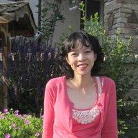 Vivian 慧雲 | Social Profile