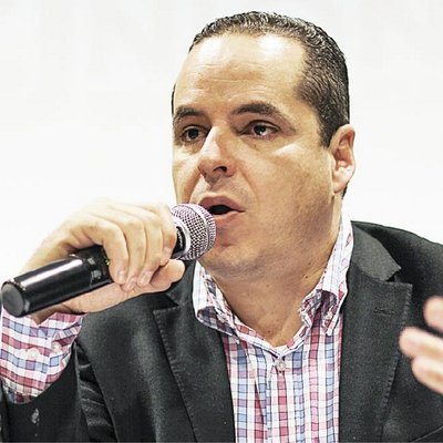 DipEnrique Velazquez