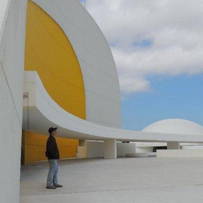 Miguel E. Oviedo M. | Social Profile