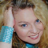 Linda  Riseley | Social Profile