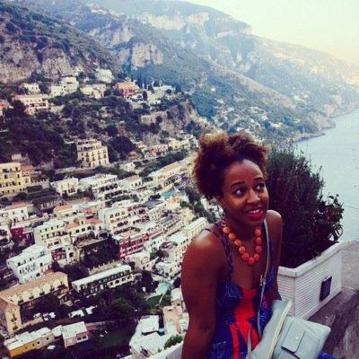 Vickii Onabolu | Social Profile
