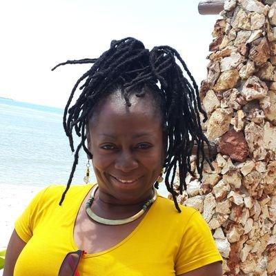julie mbilu | Social Profile