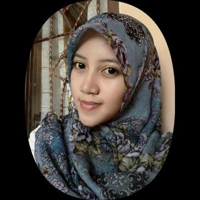 Putri Laras Rinjani Social Profile