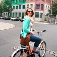 Stephanie Schweitzer | Social Profile