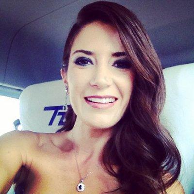 Viviana SH   Social Profile