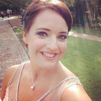 Emily Boix Canon | Social Profile