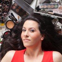 Jen Farhood | Social Profile