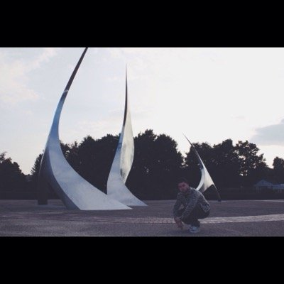 Henny Lofton | Social Profile