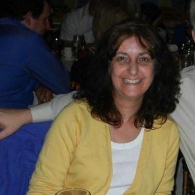 Linda F | Social Profile