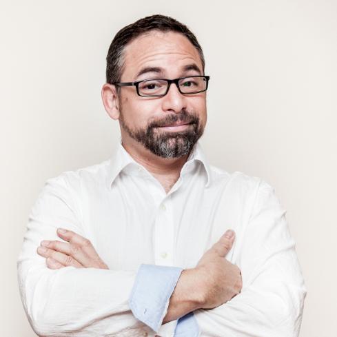 César Muñoz Social Profile