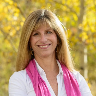 Deborah Tutnauer | Social Profile