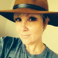 elizabeth hunt | Social Profile