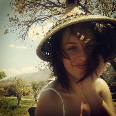 Roxana Gorecki | Social Profile
