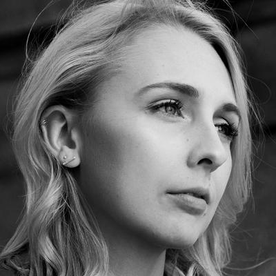 Leonie M. | Social Profile