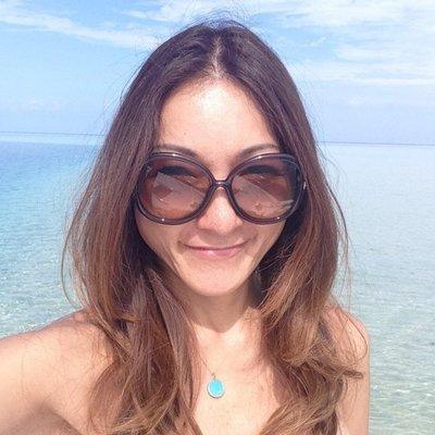 Maki Konikson | Social Profile