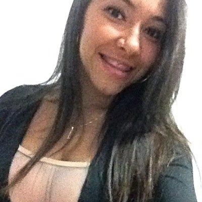 Larissa Oliveira. | Social Profile