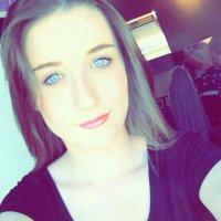 Chloe Scott   Social Profile