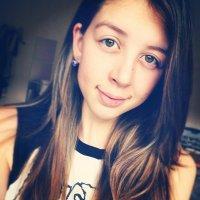 Deb Yumi C | Social Profile
