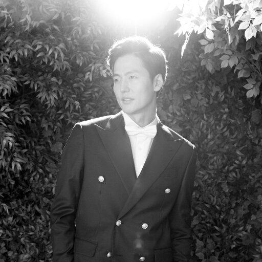 LEE JUNG JIN Social Profile