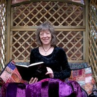 Sue Johnson | Social Profile